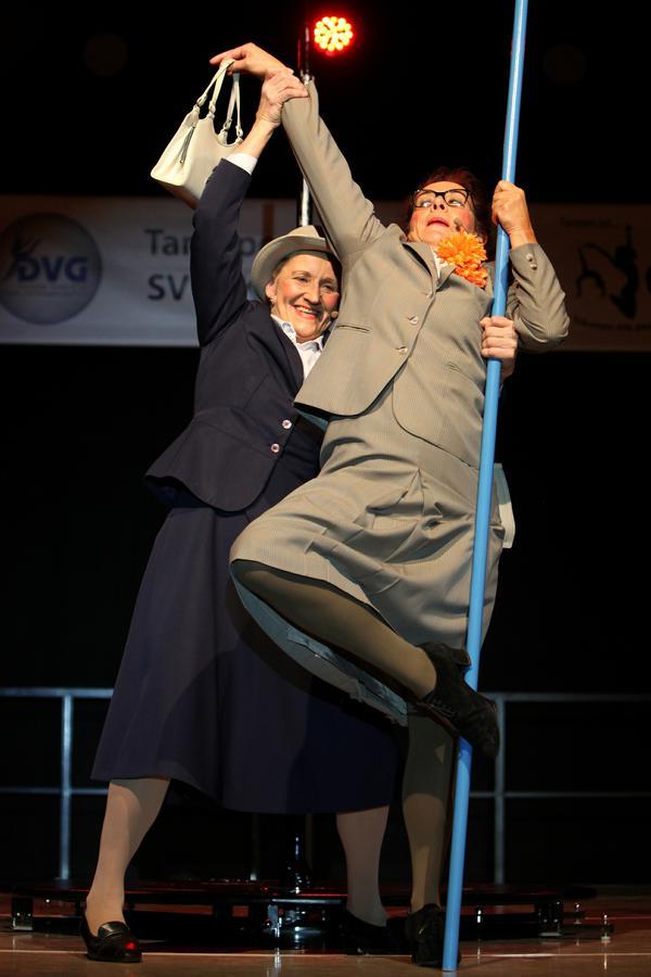 inge & Rita Poledance, Foto Quellenangabe @Mainpost.de